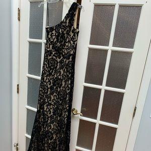 One shoulder long black lace gown